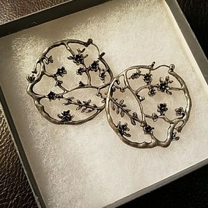 Lucky Brand Silver flower earrings